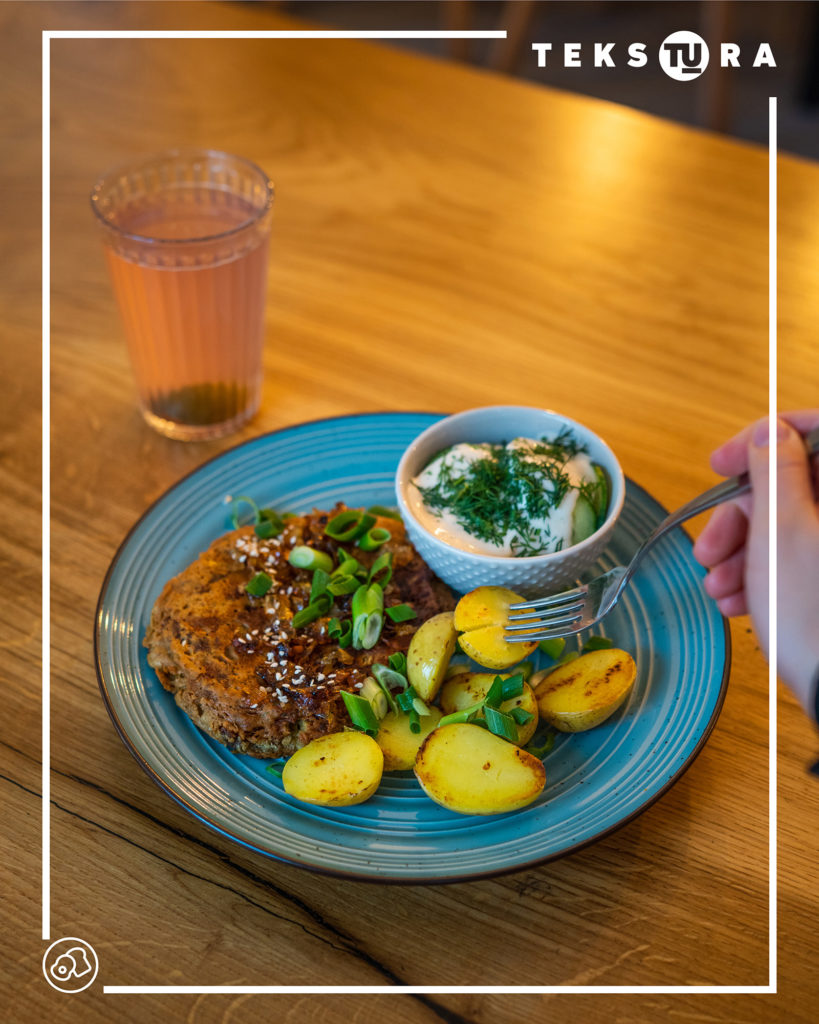 domowy-obiad-weganski-kotlet-jezyce-poznan-tekstura