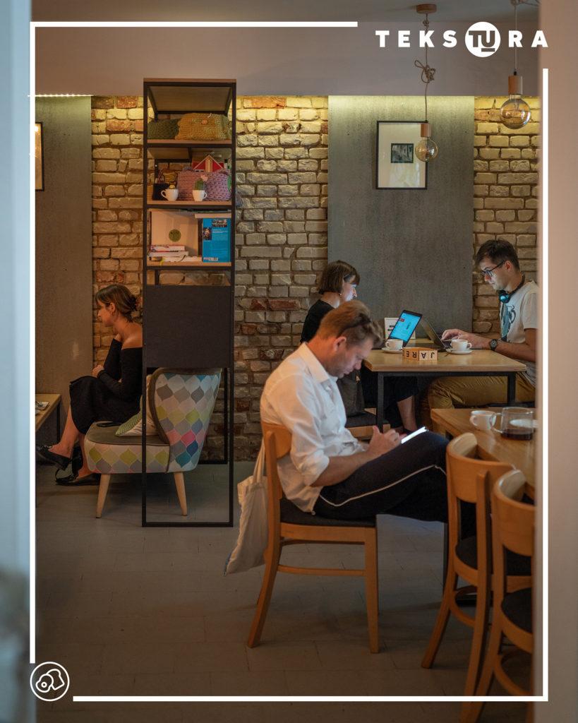 kawiarnia-jezyce-poznan-tekstura-wnetrze